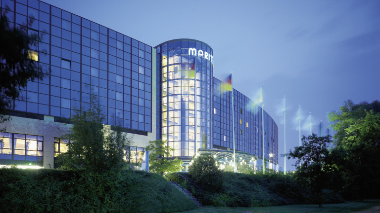 Maritim Airport Hotel Hannover at night