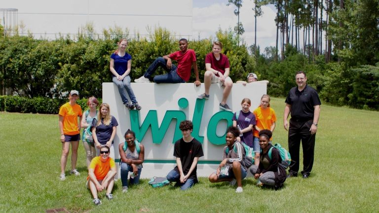 STEMtastic group shot in front of Wilo sign